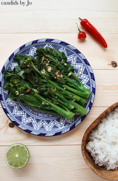 Chinese broccoli with ginger and garlic dressing