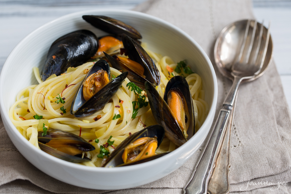 Linguine with mussels in a saffron-infused white wine broth | candids ...